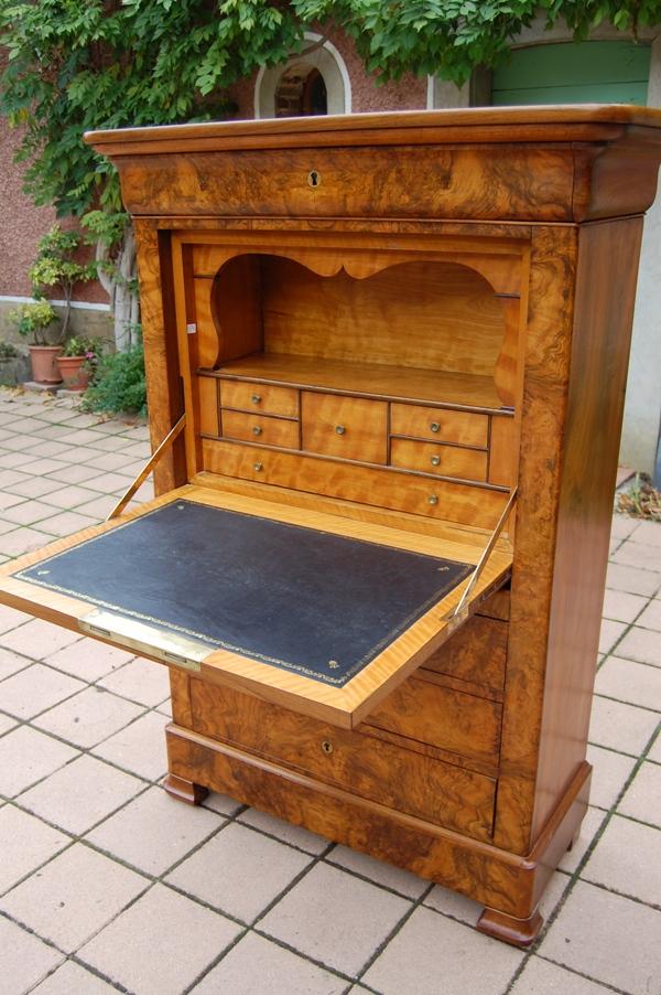 secr taire louis philippe en noyer. Black Bedroom Furniture Sets. Home Design Ideas