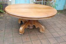 Table a pied central Napoléon III en noyer 18 couverts